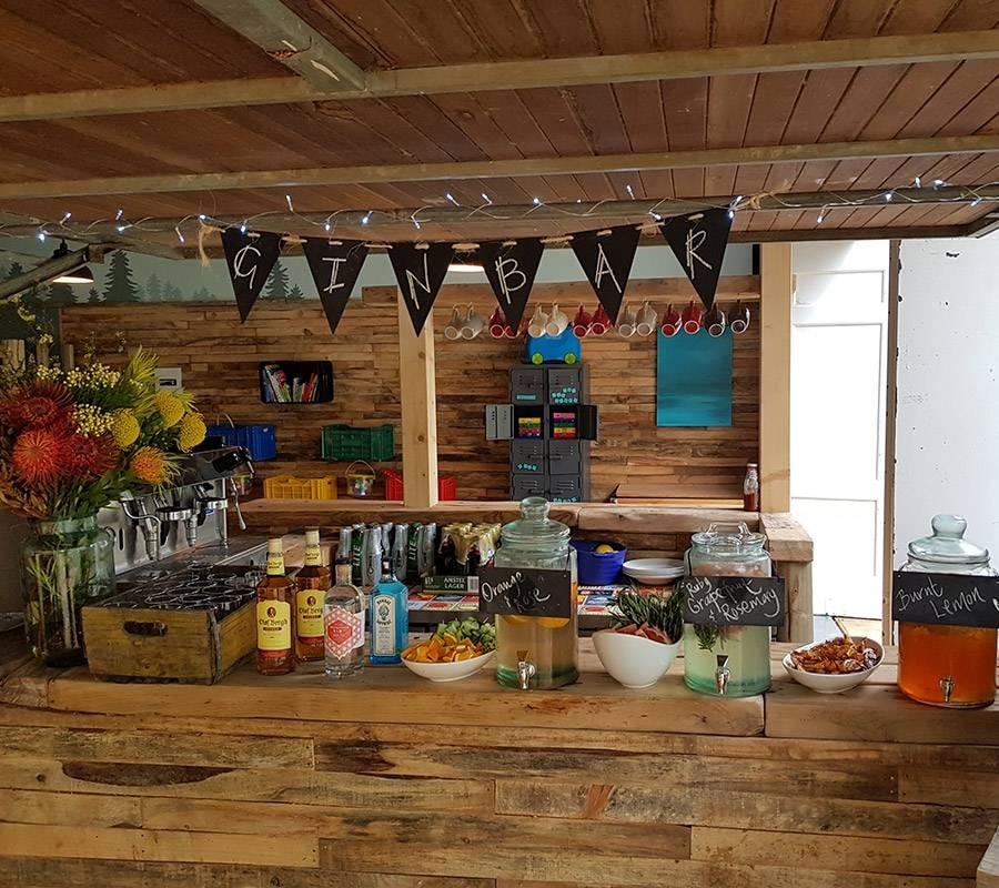 Cash bar at Elgin River Lodge