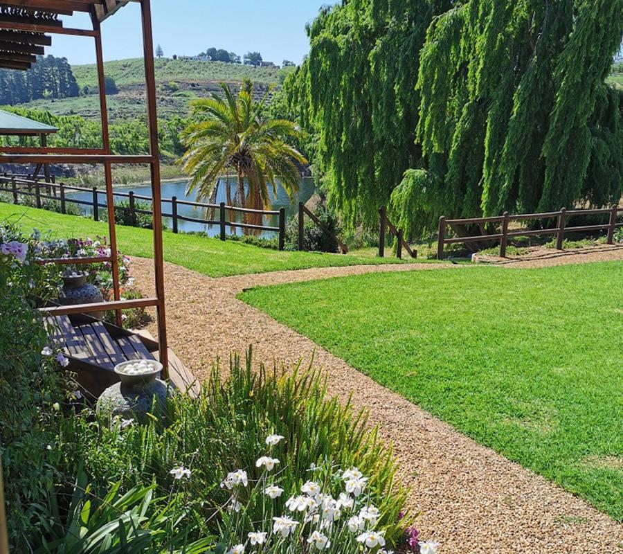 Inn on Highlands garden